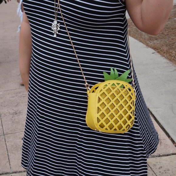 unknown Handbags - Pineapple Crossbody Purse